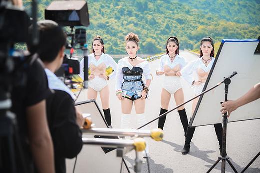 อ๊อฟ-ดอกฟ้า-MVเยฮี้เย3